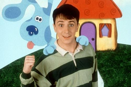 Blues Clues characters in front of a house.