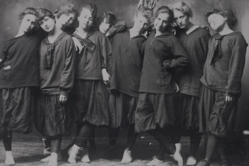 Forest City High School girls' basketball team, 1918.